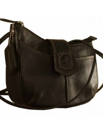 This curvy genuine leather sling bag is all about you & how you carry your style & confidence eZeeBags - YT846v1 - Black.